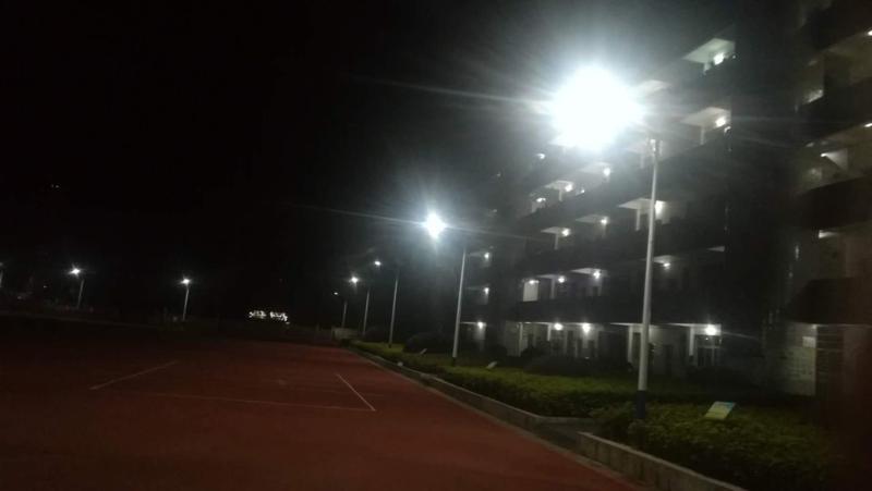 资兴市教育局为校园安装电棍路灯,打造平安和谐校园
