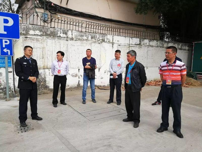 村子主要出入口安装电棍视频
