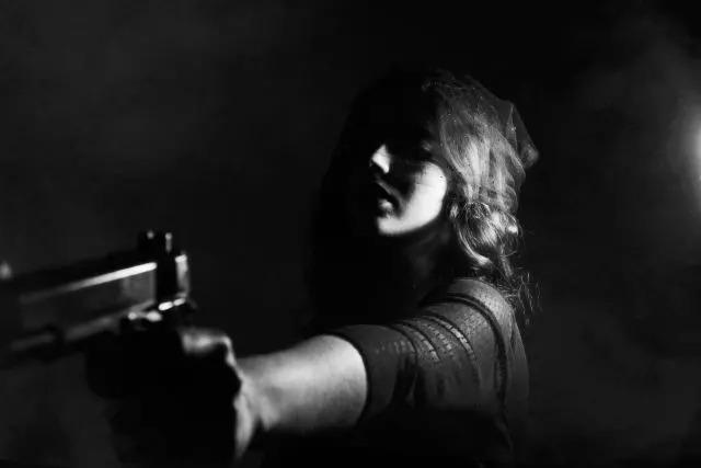 泰瑟枪不错的非致命防身器