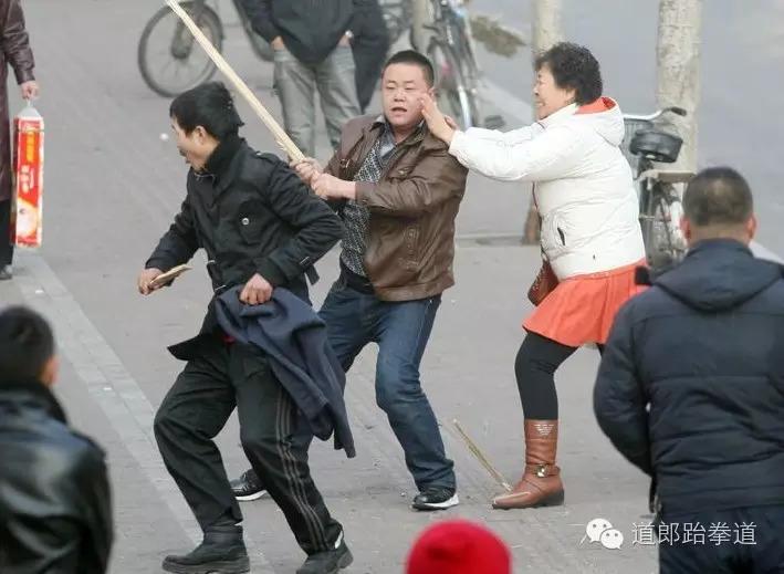 街头个人安全防卫特训班开课了!