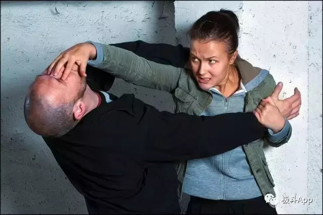 女生如何防身自卫