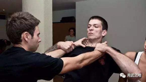 简单易学的女性防身技巧