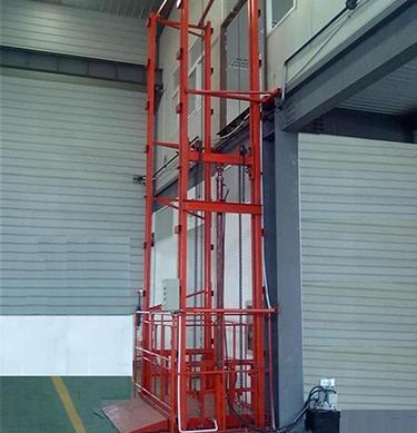 詳盡掌握移動式液壓升降機的載貨電梯