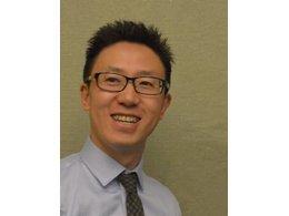 何怡宏——投资分析专家