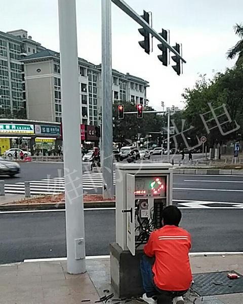 48路联网交通信号机出货7