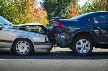 「租车遇到事故」放伯匆,假期租车出游一定要注意安全