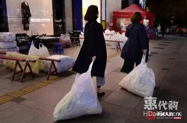 女孩做韩国代购:每天只能睡3小时