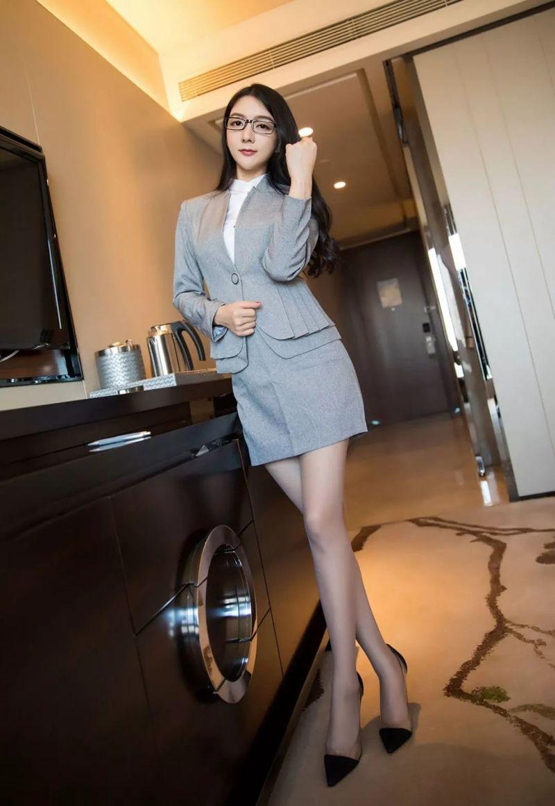 時尚的職業裝,白領姐姐魅力增加