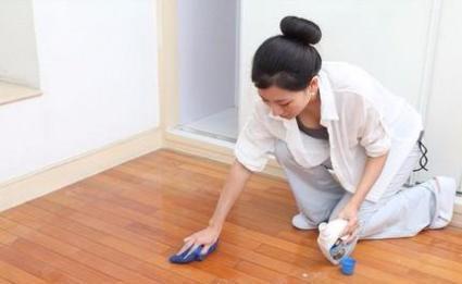 个人找家庭保洁小时工 整理房间