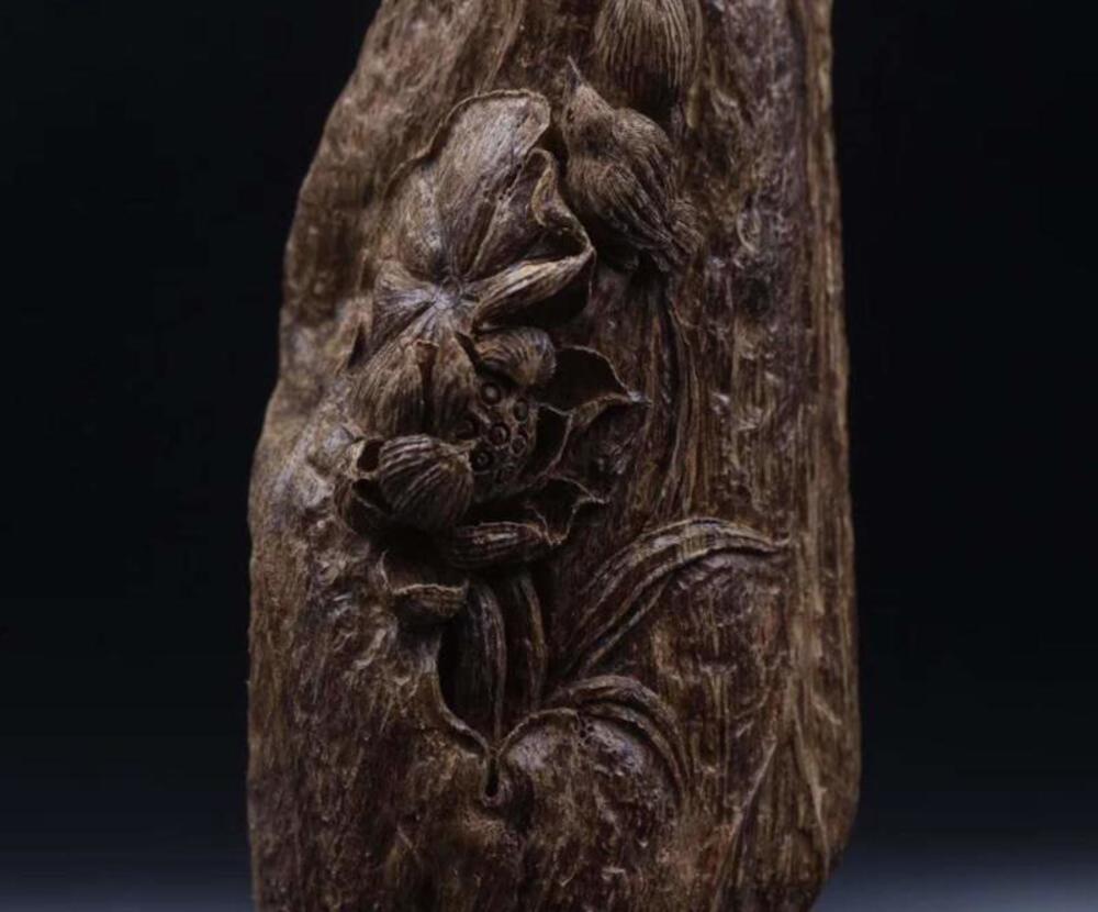 印尼老油料沉香摆件带雕工之《和气生财》