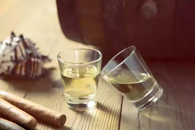 陈年老酒饮用价值