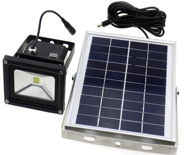 led flood light with solar panel