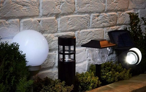 cheap solar lamps for yard Made in China