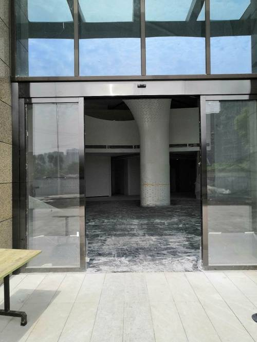成都金沙城大厦感应门案例,不锈钢感应门案例