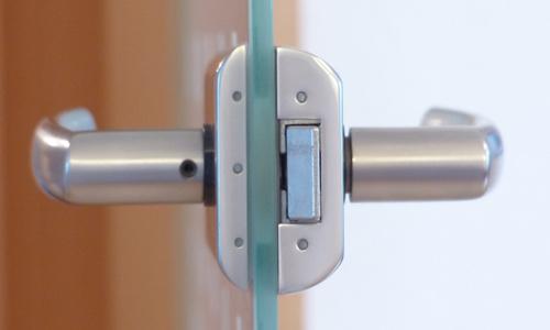 成都玻璃门安装玻璃门维修玻璃门价格 安装玻璃隔断