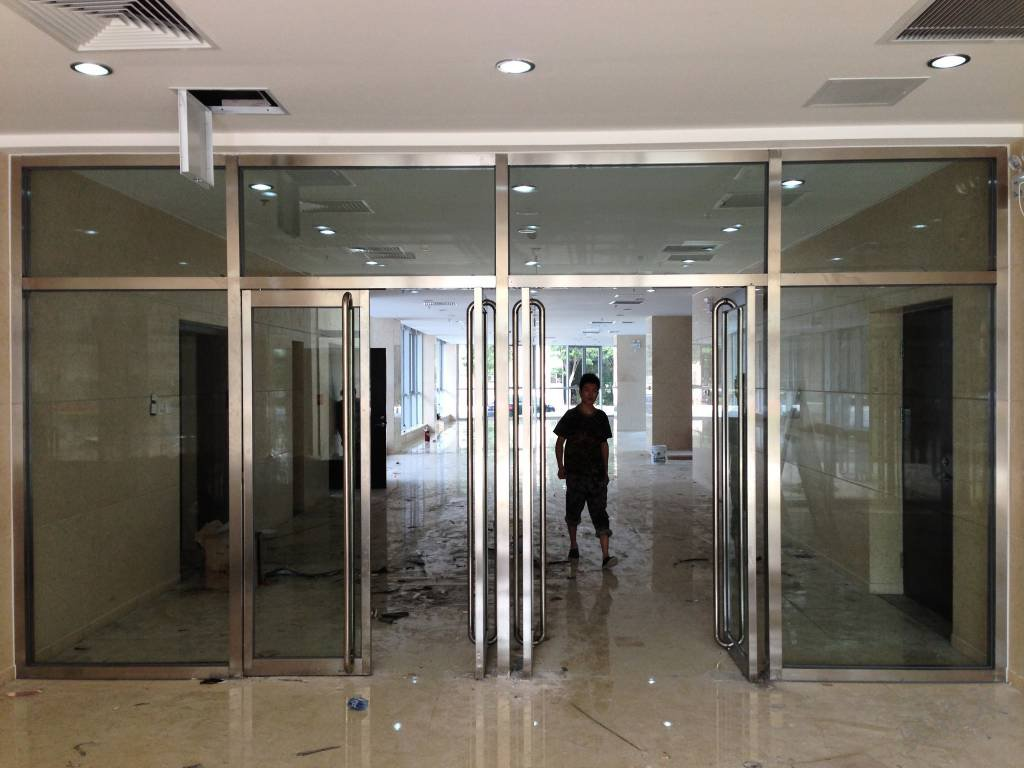 成都玻璃门安装维修部分案例