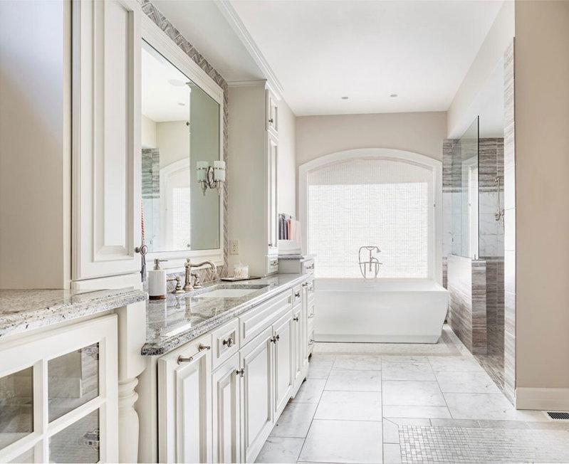 在旧房改造翻新装修时地板可以安装在旧瓷砖地板上吗?