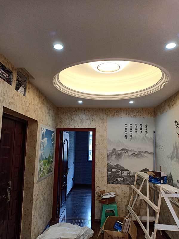 风景画墙布及LED吸顶灯