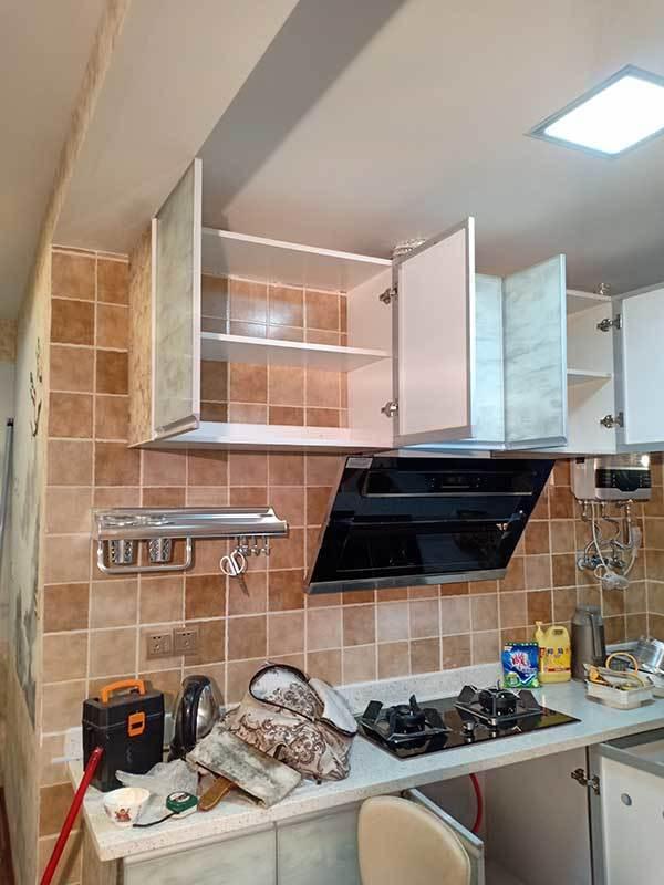 厨房橱柜、烟机、灶、石英石灶台