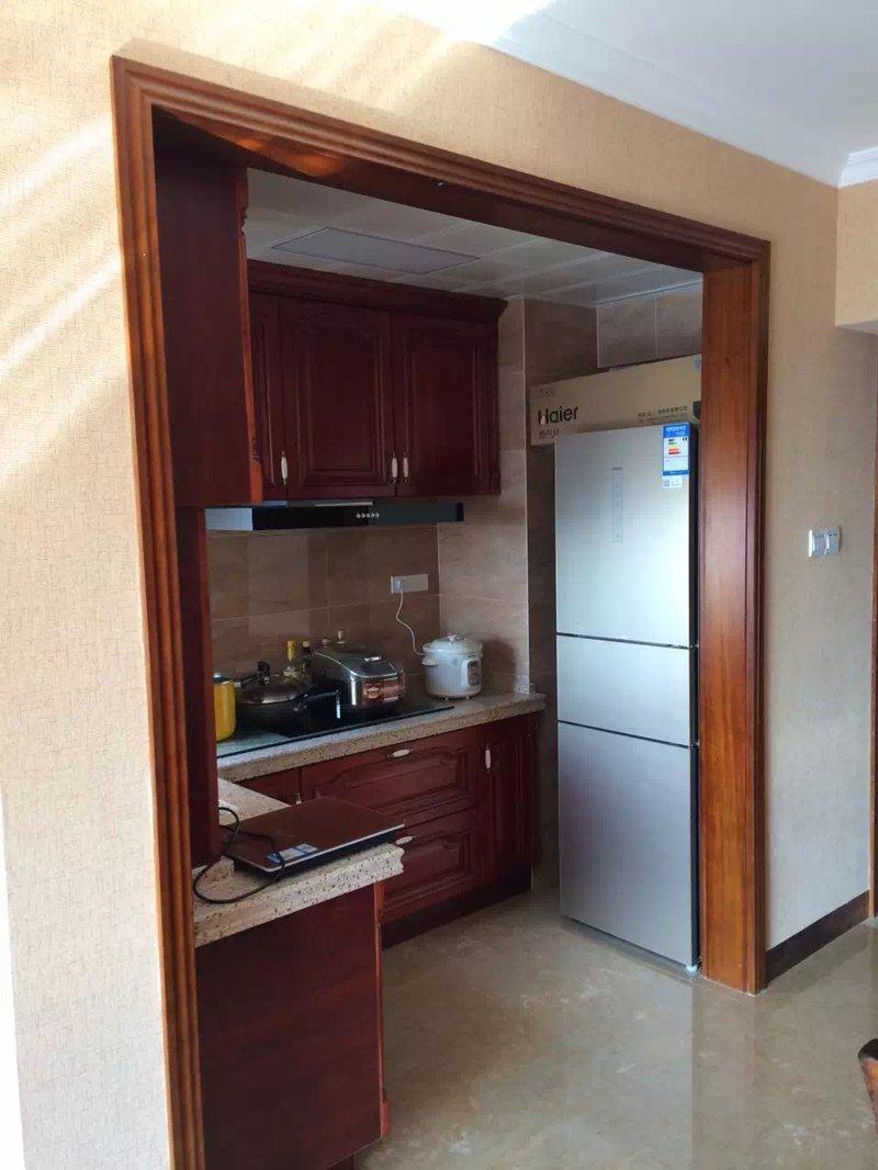 志高花园三室一厅新房装修在建工程