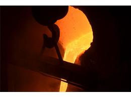 渣浆泵铸造合金熔炼完毕