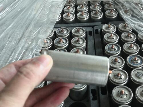 How to choose 32700 battery cell