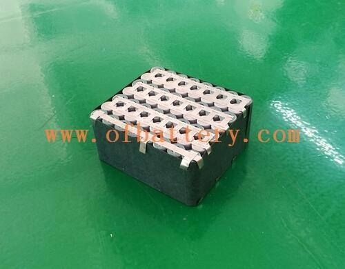 Battery pack for emergency energy storage