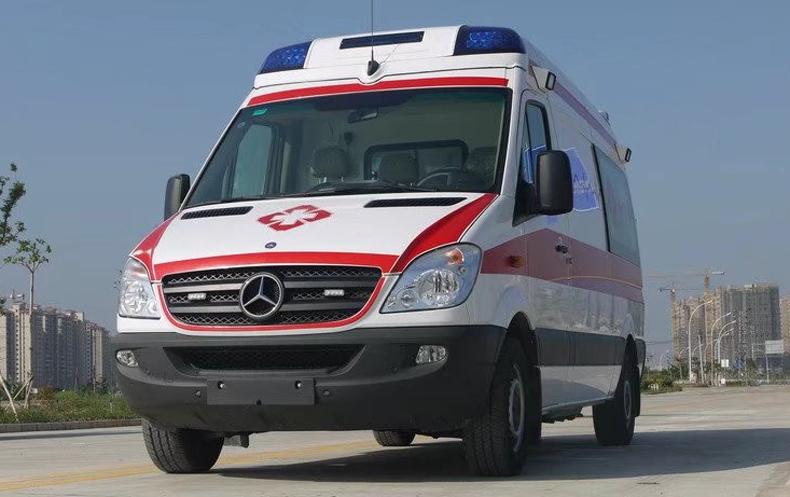 奔馳凌特緊急救護車