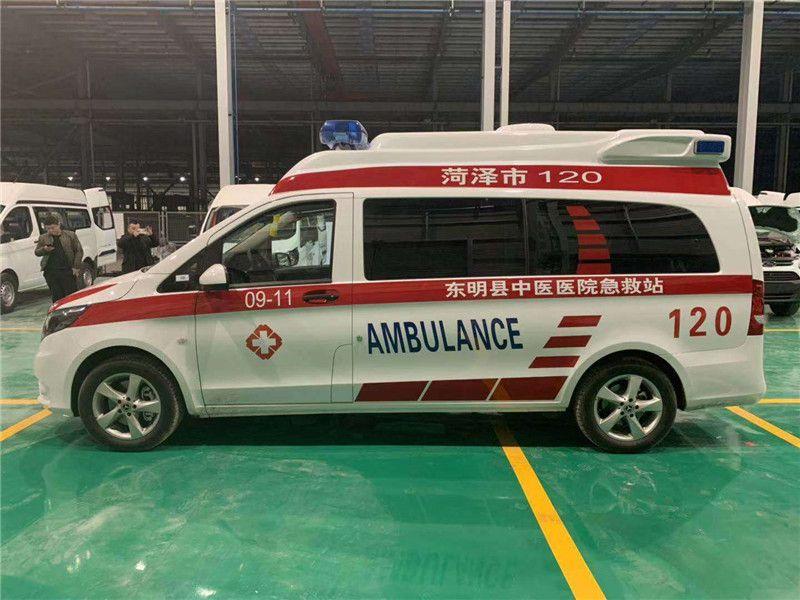 奔馳122汽油版長軸高頂監護型救護車