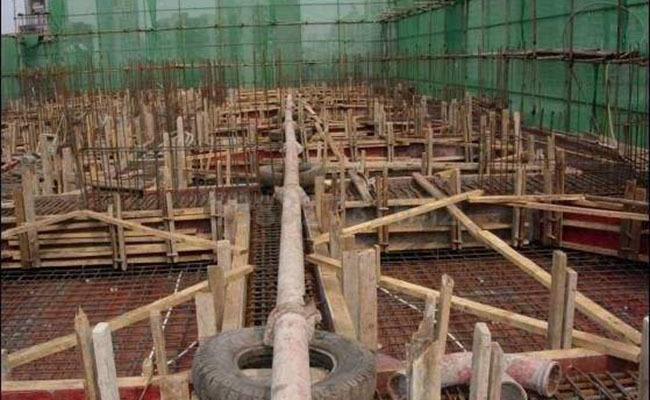 混凝土泵管支架固定的注意事项