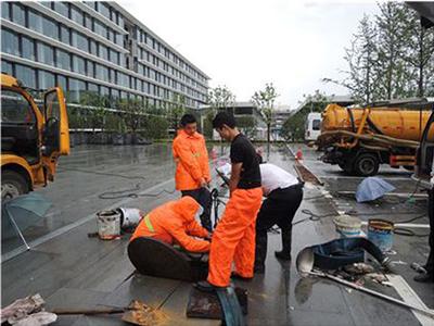 商业街隔油池清理