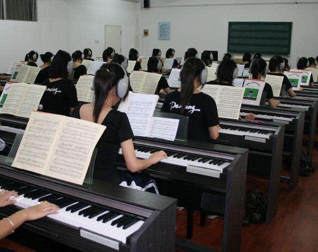 幼师钢琴课