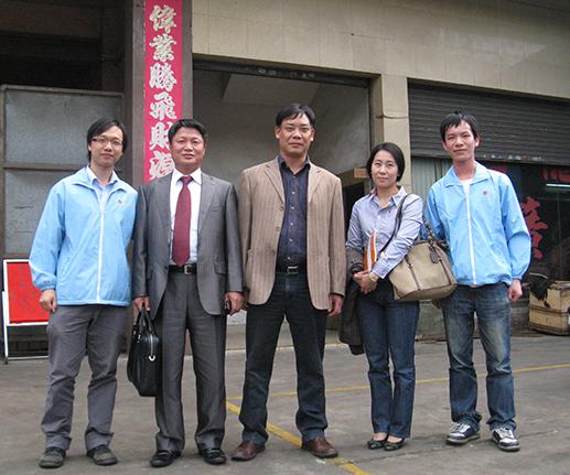 韩国客户考察广东旭龙弹簧厂