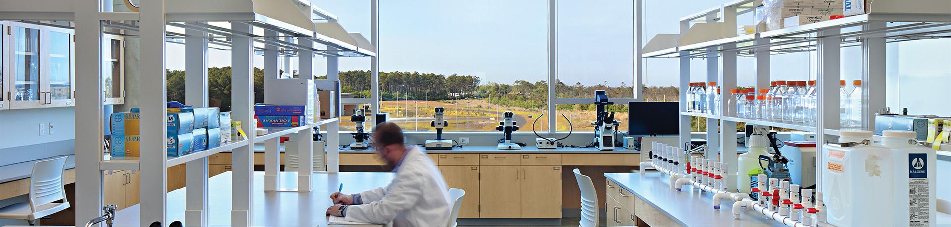 沪前实验台厂家生产的理化生实验台