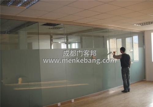 成都玻璃门维修费用多少,成都玻璃门维修价格多少