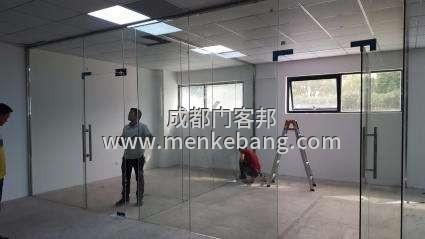成都办公室玻璃门,办公室玻璃门定制安装厂家定做电话