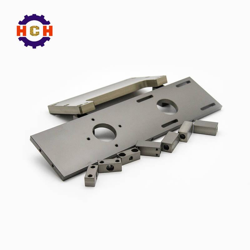 深圳精密机械加工一般采用精密机械零部件加工中心用CNC精密机械加工技术改良CNC加工方面,主要使用含有防攀爬剂的CNC加工。