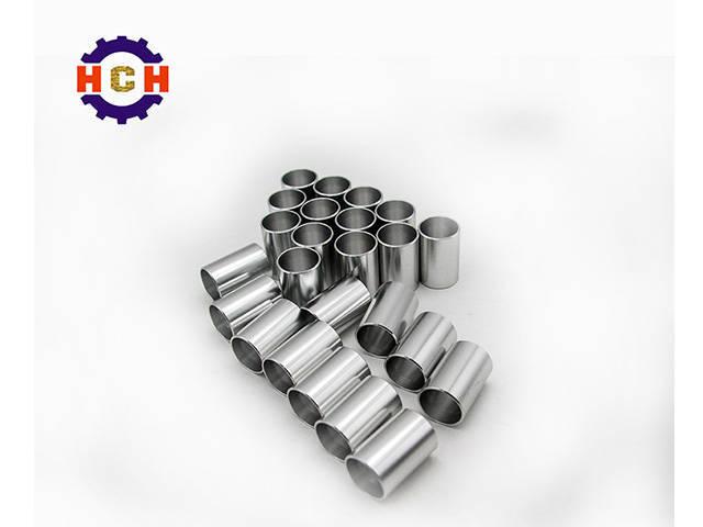 现代汽车机械零部件加工厂CNC精密机械加工使用CNC编辑功能定期更改进给量