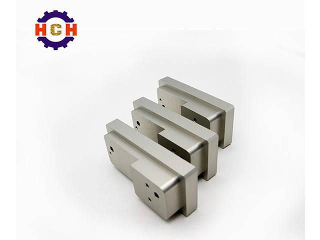 深圳精密机械加工机床的CNC精密机械加工要求得到超润滑加工外观和高加工精度