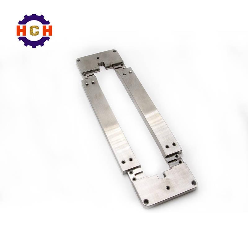 深圳精密机械加工选择和在精密加工中心的使用精密零部件中