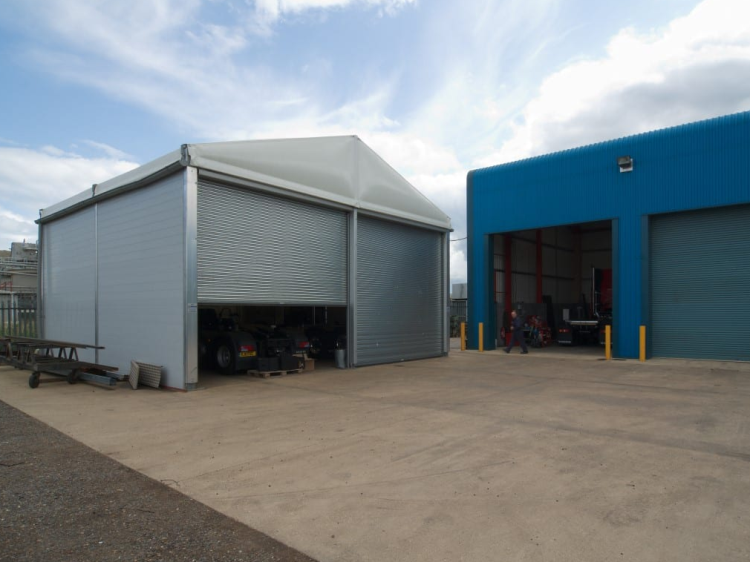 Warehouse tent for storing parts of commercial vehicle manufacturers