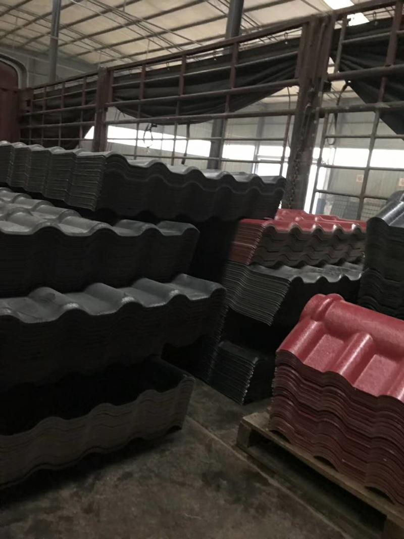 恒泰瓦业重庆树脂瓦发往咸丰老乡家