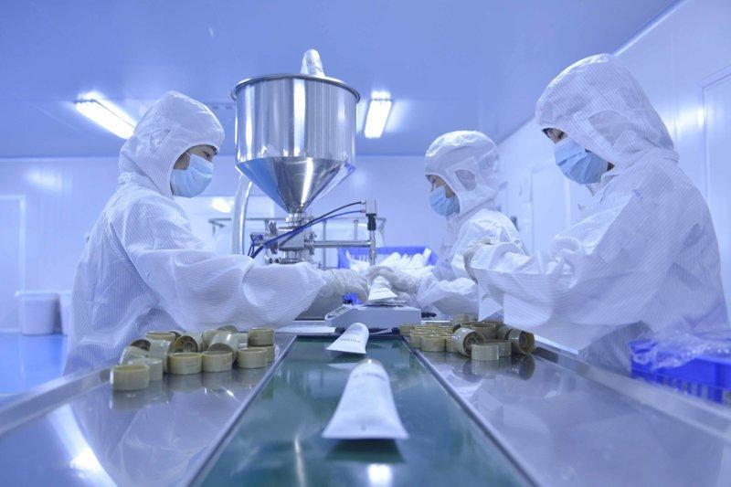 简单解释化妆品oem加工兼产品研发的生产流程