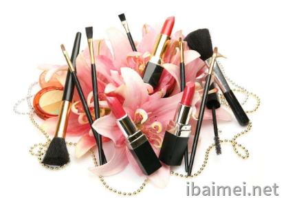 化妝品oem基地講講使用化妝品的注意事項