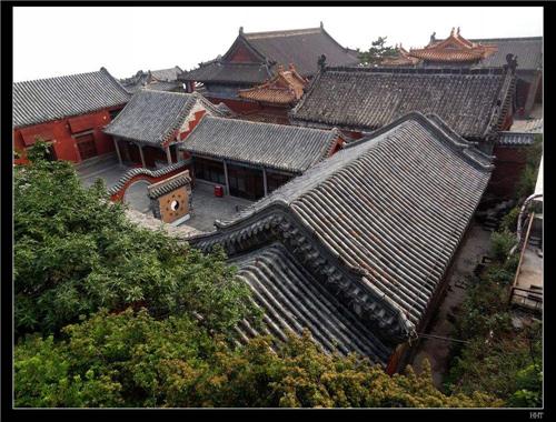 智能万佛墙厂家告诉您:普陀山法雨寺有何特色?