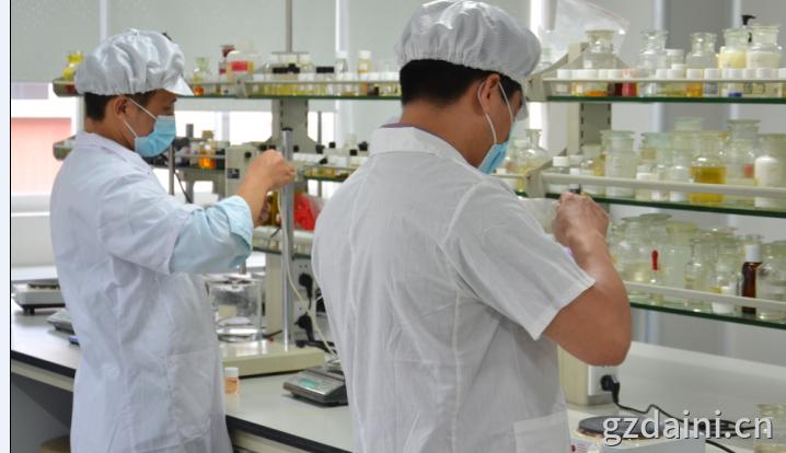 微商企业可通过和广州原液oem加工厂合作来实现企业做大