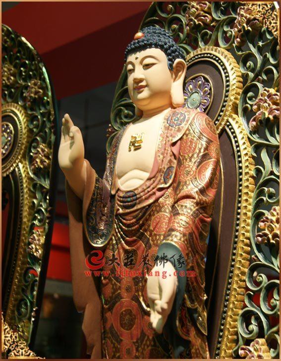铜雕三宝佛之阿弥陀佛侧面彩绘塑像
