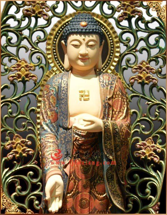 铜雕三宝佛之释迦牟尼佛正面近照实拍