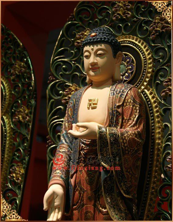 铜雕彩绘三宝佛之释迦牟尼佛侧面塑像实拍