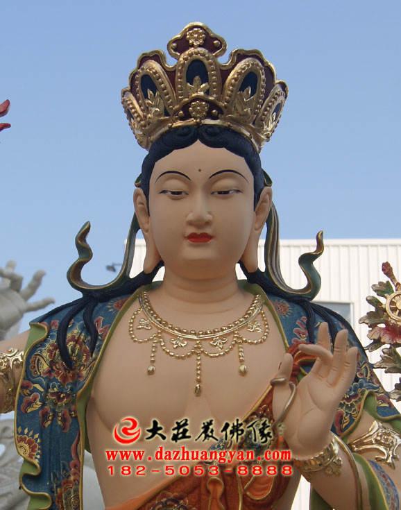 彩绘铜像文殊菩萨正面近照